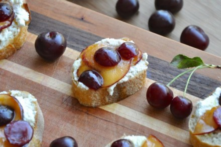 Cherry-and-Plum-Bruschetta--600x401