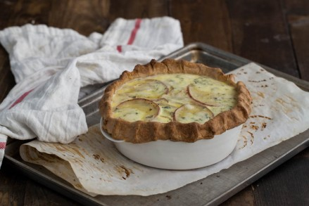Roasted-Red-Potato-and-Gorgonzola-Quiche-1-of-1