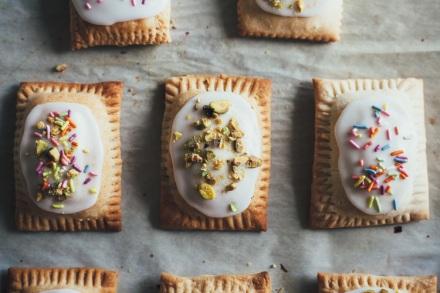 pistachio-bakewell-pop-tarts-16