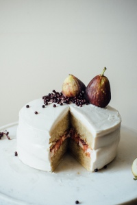 hazelnut+layer+cake+w-+fig+compote+++(vegan)+cream+cheese+frosting+-+dolly+and+oatmeal